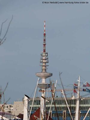 Fernsehturm Hamburg, Blick vom Hafen