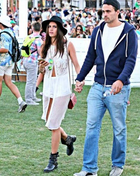Sara Sampaio com o namorado no festival Coachella 2016