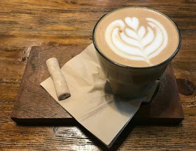 Kopi susu mamakota Alenia Papua Coffee. Source: instagram.com/aleniapapuacoffee