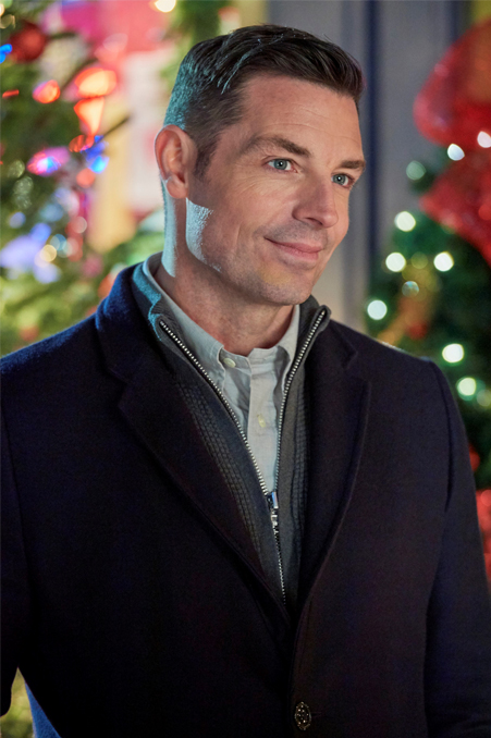 """Its a Wonderful Movie - Your Guide to Family and Christmas Movies on TV: BRENNAN ELLIOTT """"dishes ..."""