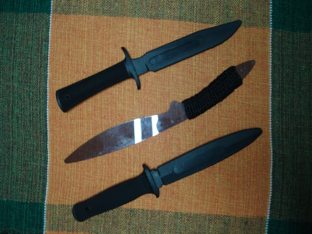 Armas do Kali - Facas de treinamento em borracha e acrílico