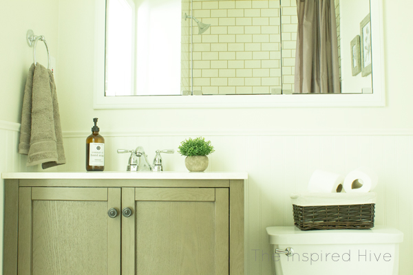 Simple budget friendly ideas for a small master bathroom makeover. Affordable farmhouse bathroom decor for the One Room Challenge.