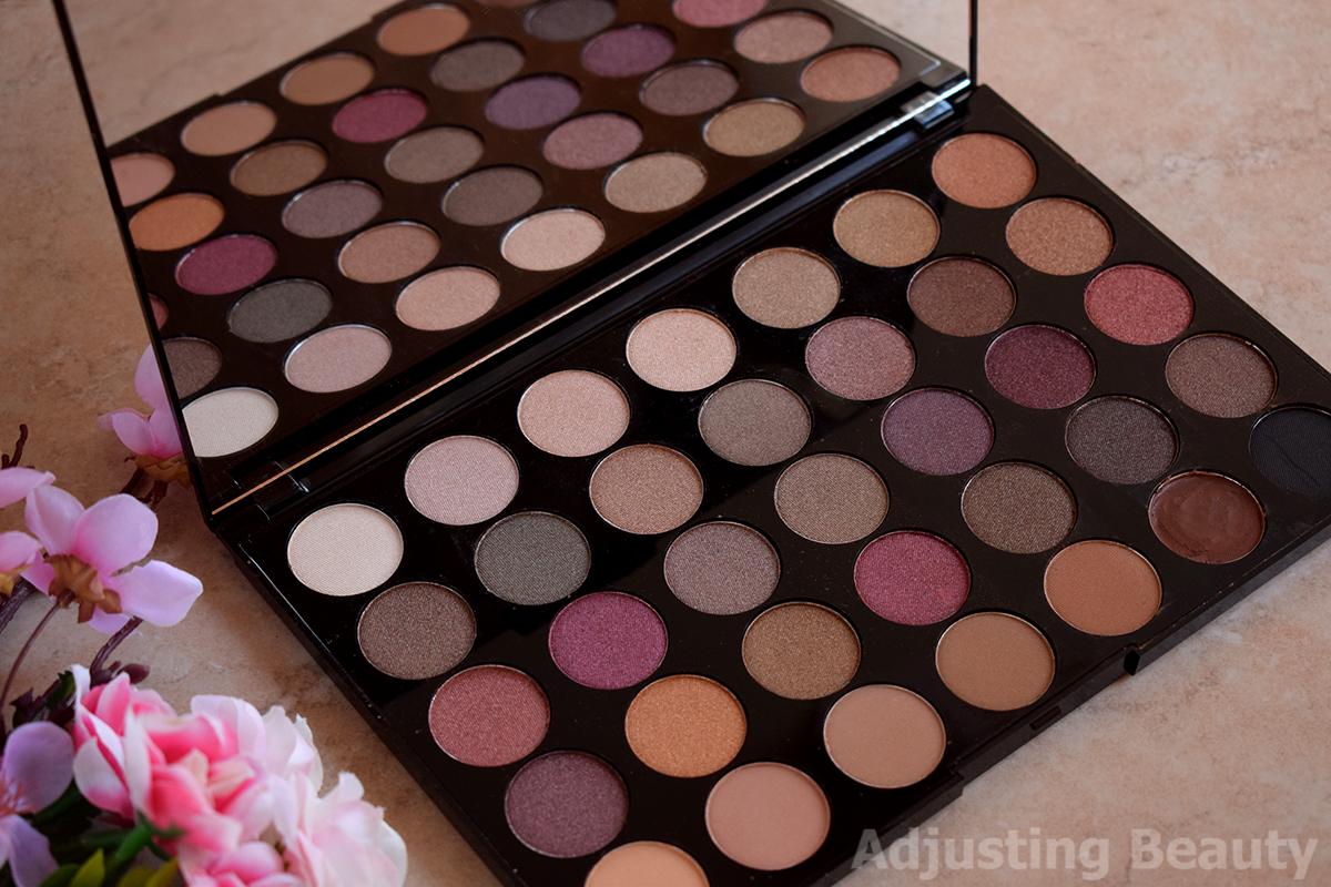 6777a421eaef Review: Makeup Revolution Pro HD Amplified 35 Palette - Luxe ...