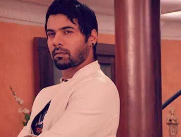 Biodata Shabbir Ahluwalia berperan sebagai Abhishek Prem Mehra atau Abhi