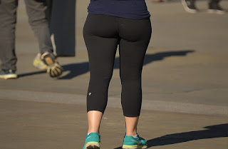 Chica nalgona calzas