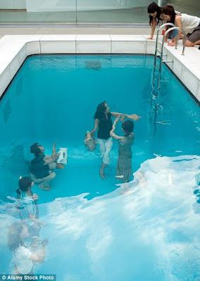 Kolam Ilusi di Jepang