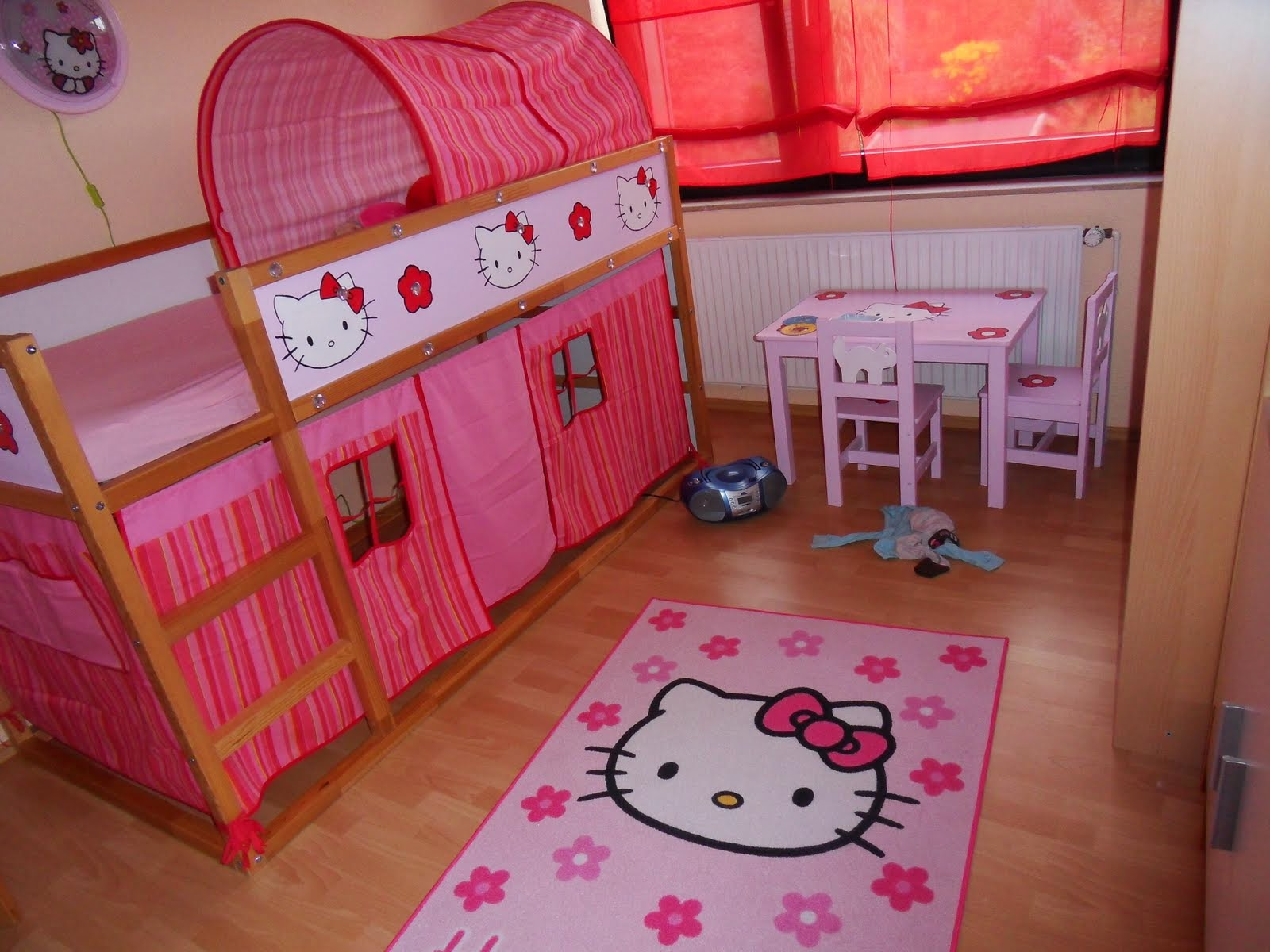 Dise os de dormitorios tema hello kitty colores en casa - Cortinas de hello kitty ...