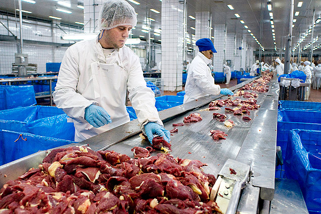 Carnes de três frigoríficos deverão ser recolhidas de todos supermercados no Brasil