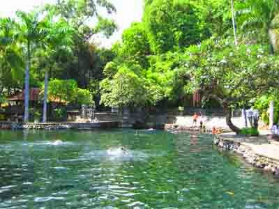 Kolam Besar Air Sanih