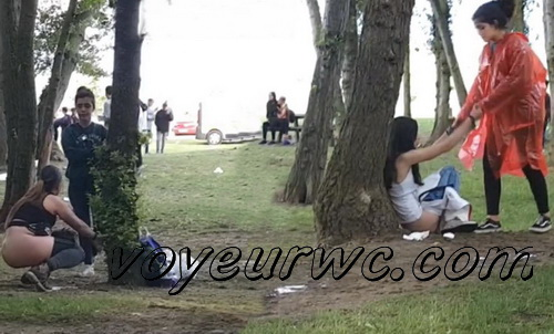 Girls Gotta Go 44 (Voyeur pee videos - Drunk spanish chicks peeing in public at festival)