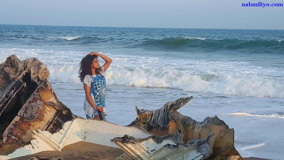 Nadeesha Hemamali hot photos 2016 beach