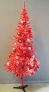 árbol navideño color rojo