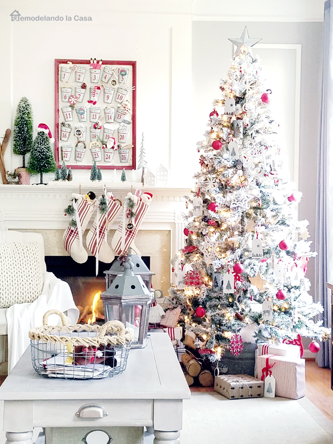 Fireplace and advent calendar in the family room - red and white