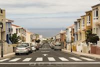 https://pixabay.com/es/por-carretera-autos-paso-de-cebra-2667791/