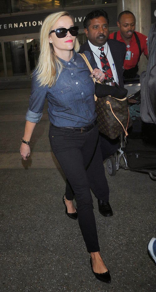 Reese was spotted recently at the airport in Los Angeles