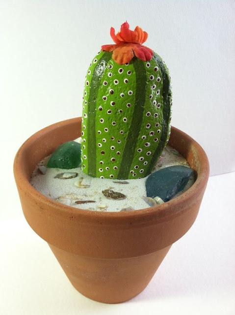 وعاء نبات الصبار المصنوع بالحجارة