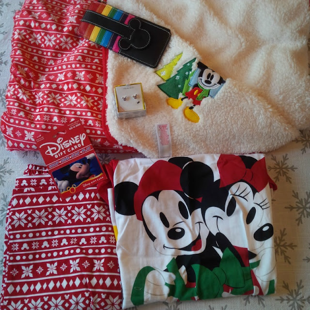 Disney christmas pajamas and disney christmas blanket