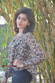 Vizhithiru Movie Press Meet Stills  0012.jpg