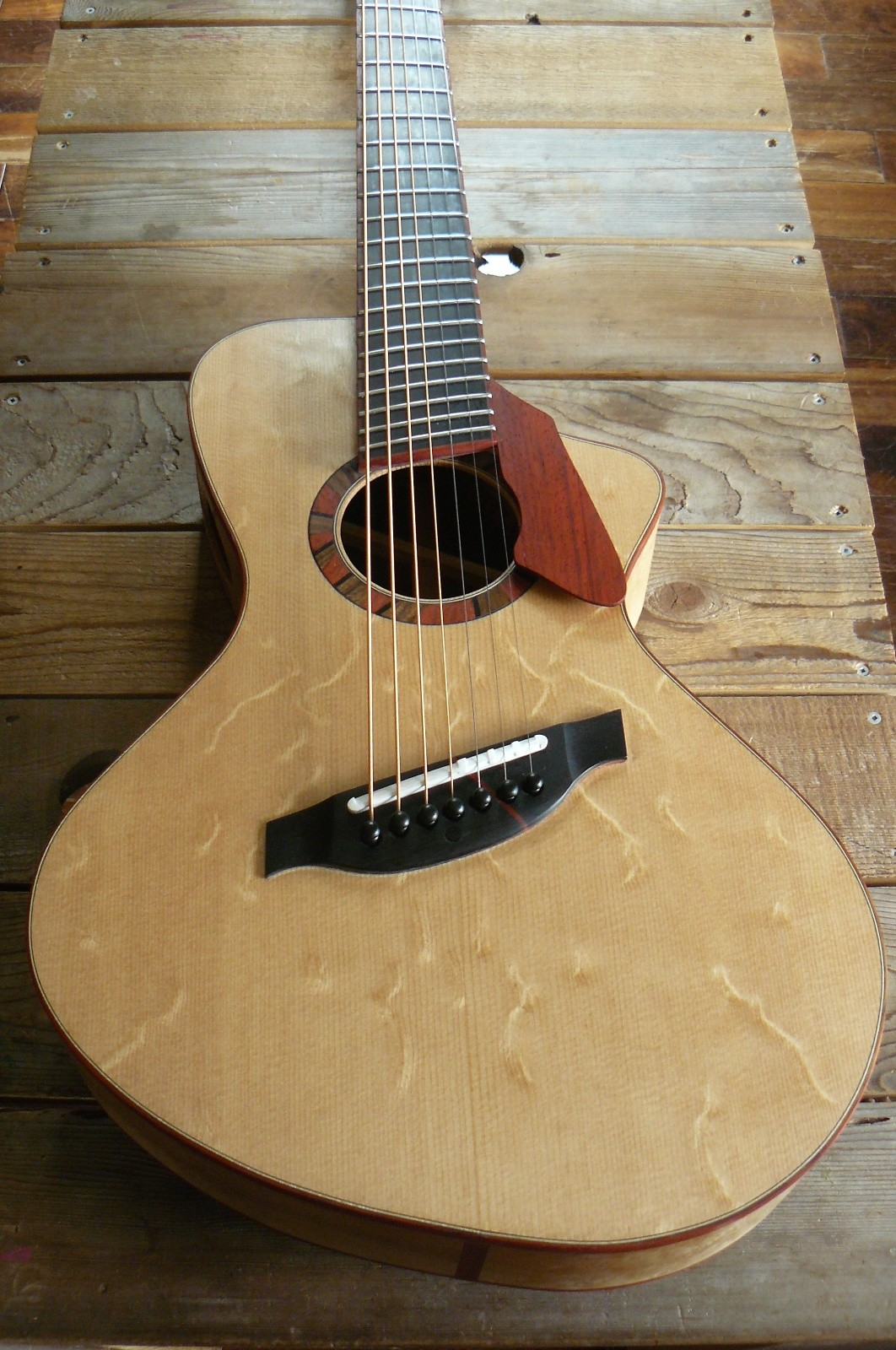 guitar blog egan 7 string fanned fret acoustic guitar. Black Bedroom Furniture Sets. Home Design Ideas