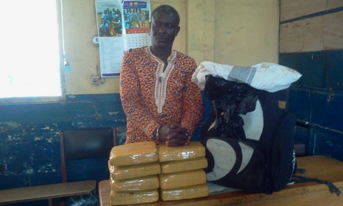 E/R: Man, 46, grabbed with eight slabs of 'wee'
