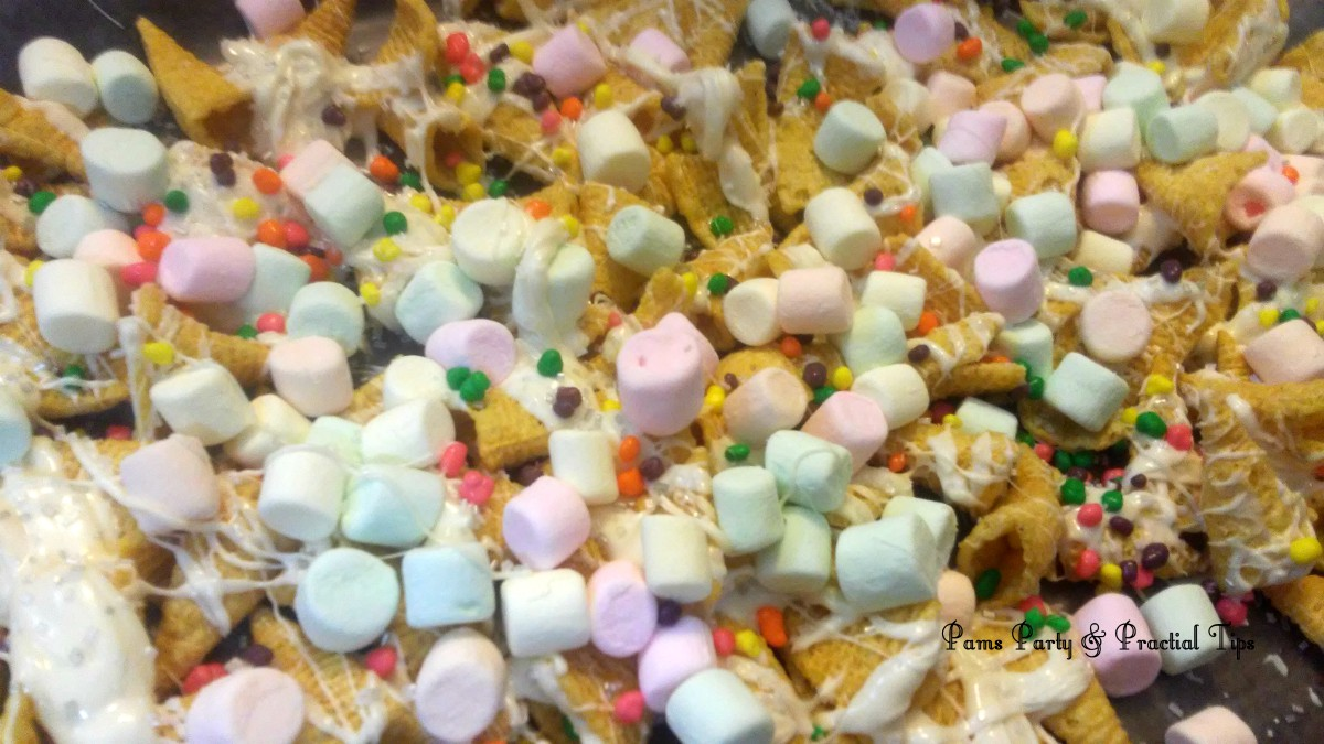 unicorn party, sprinkles, marshmallows, party mix