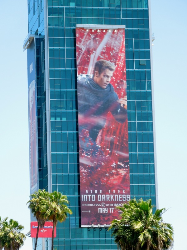 Chris Pine Star Trek Into Darkness billboard