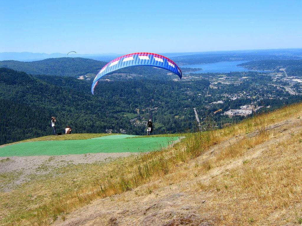 Holiday Area: Hang Gliding at Tiger Mountain in Issaquah, Washington