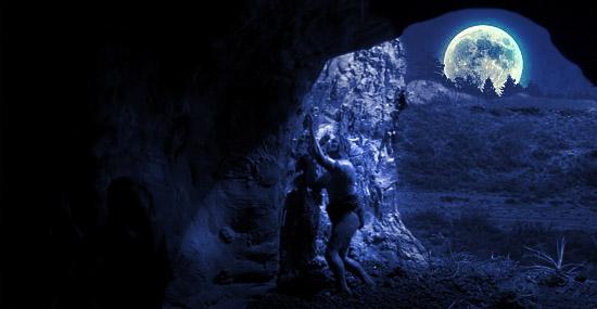 Homem das cavernas - caverna a noite