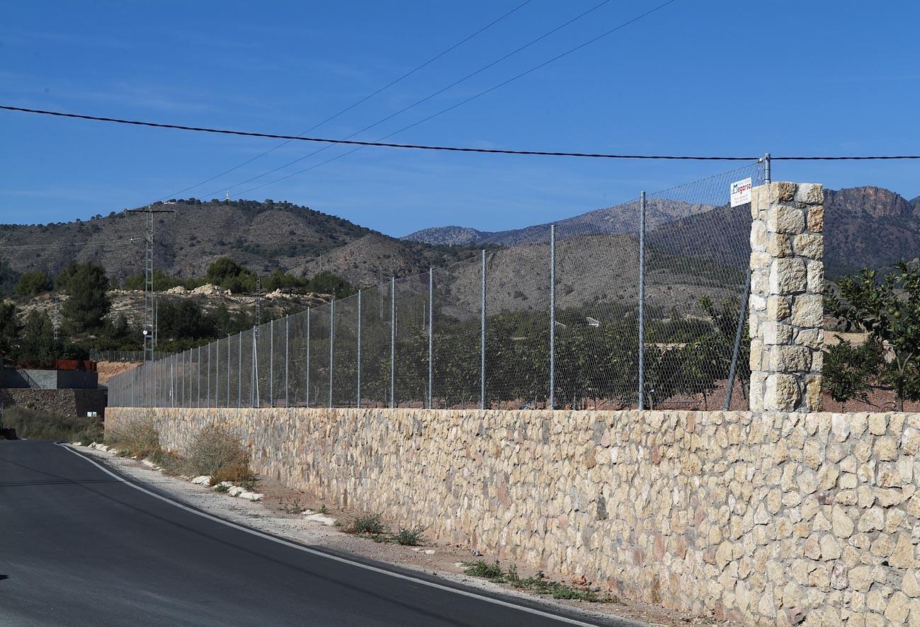 Alambradas vallas para jard n mallas y paneles - Alambradas para fincas ...