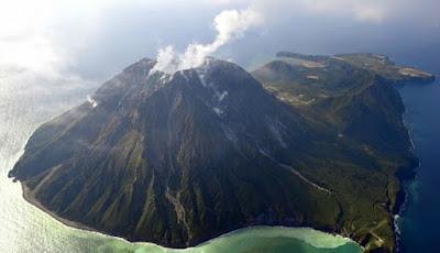 Gunung berapi di Jepang