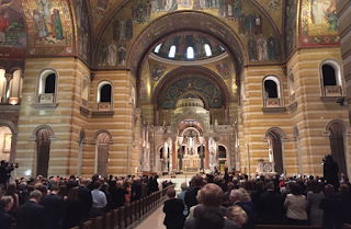Standing Ovation For Donald Trump at Phyllis Schlafly Funeral In St. Louis!