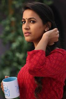 Niharika in Oka Manasu movie 003.jpg