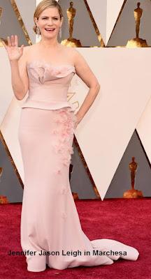 Jennifer%2BJason%2BLeigh%2Bem%2Bmodelo%2BMarchesa - Look Óscares 2016