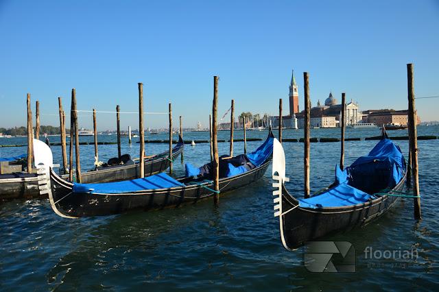 Gondola - symbol Wenecji. Gondole przy Placu Świętego Marka