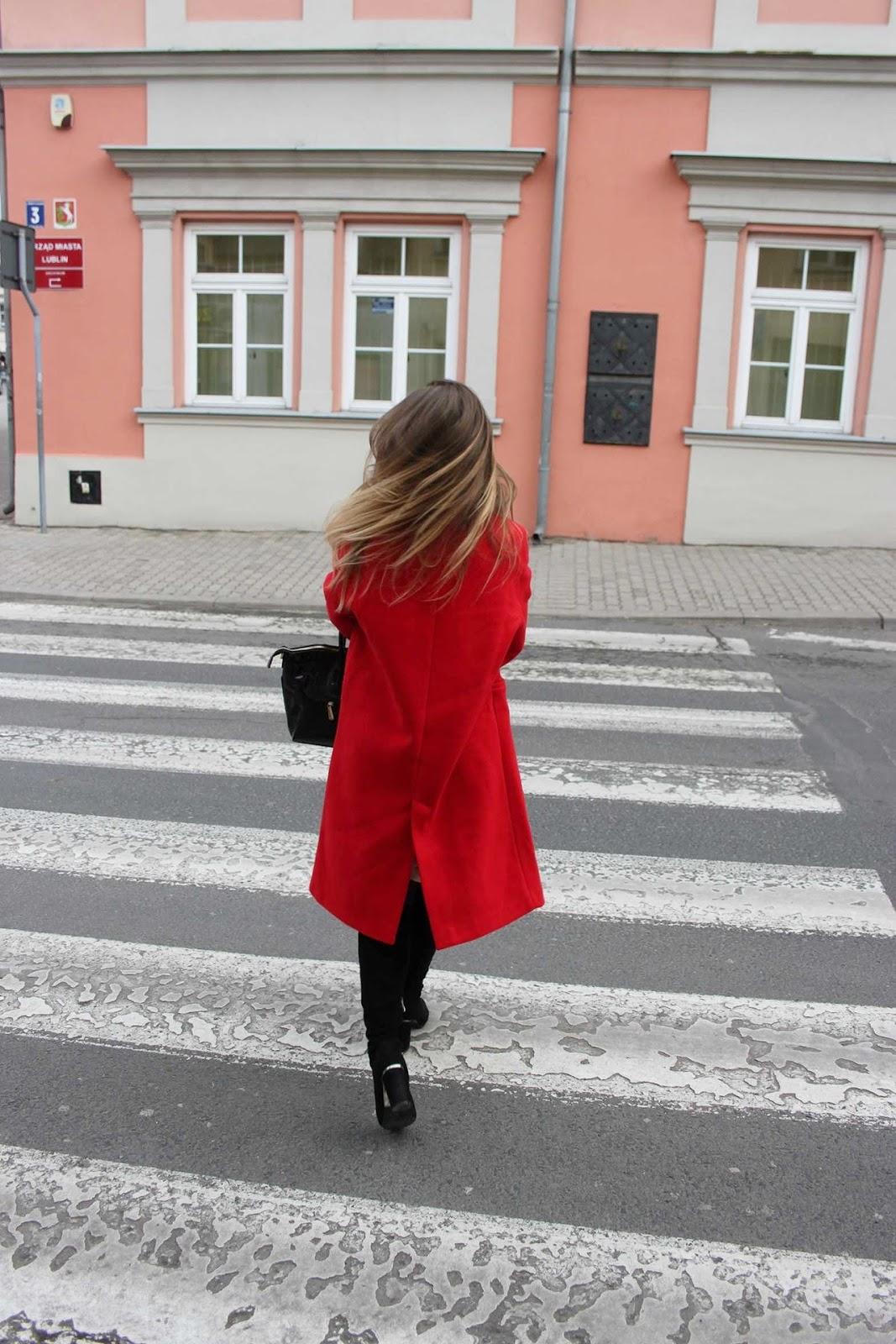 Czerwień na stałe w mojej garderobie | STYLIZACJA