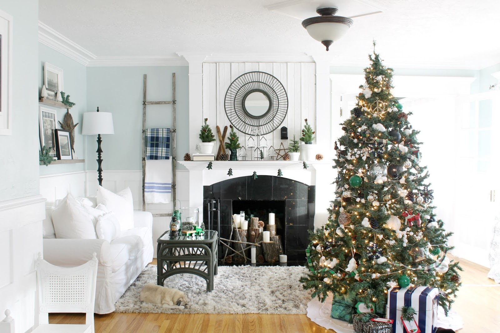 A Cottage Christmas Home Tour 2016 - The Wicker House