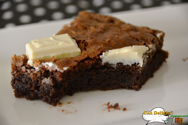 3 chocolates brownie cake