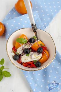 Sałatka z żółtych pomidorów i pieczonej papryki
