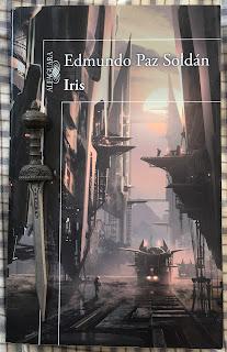 Portada del libro Iris, de Edmundo Paz Roldán