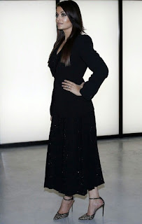 Aishwarya Rai In Black Outfit 2