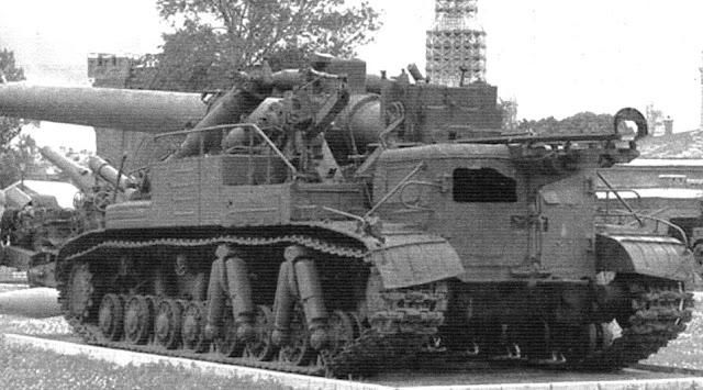 """Самоходный 420-мм миномет """"Ока"""" в музее Вооруженных сил в Москве"""