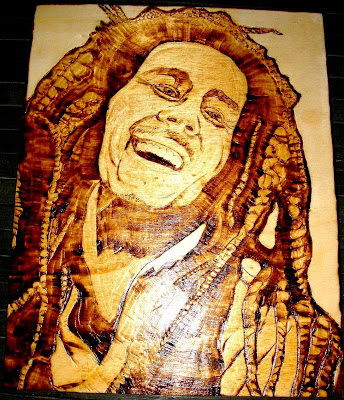 Bob Marley em pirogravura