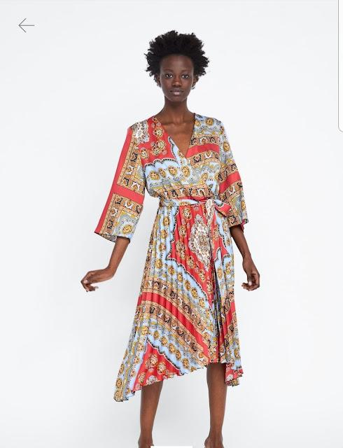https://www.zara.com/ch/fr/robe-à-imprimé-plissée-p02195389.html?v1=8369138&v2=1180405