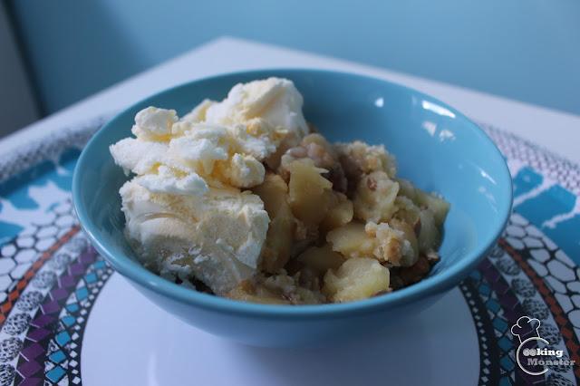 Crumble - jabłko i banan zapieczone pod kruszonką