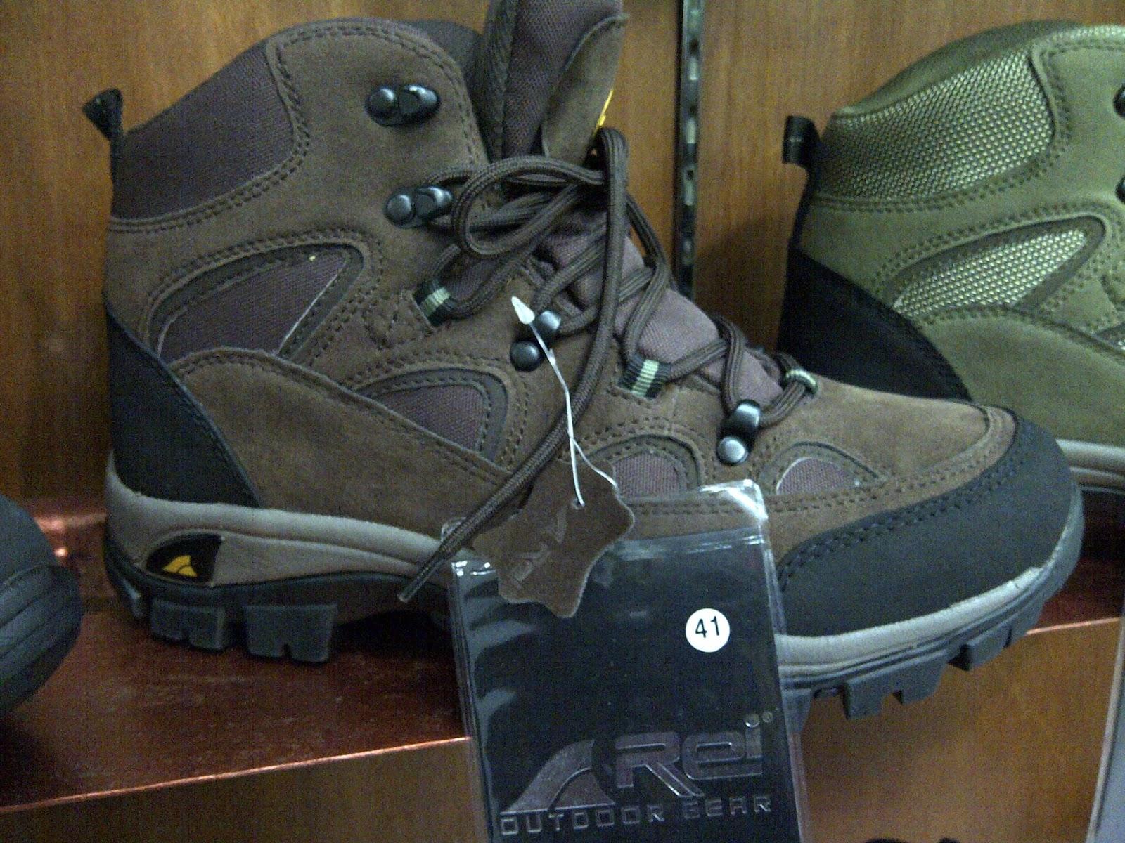 Harga dan Spesifikasi Sepatu Gunung Rei Nebraska T-736 7eb1d75360