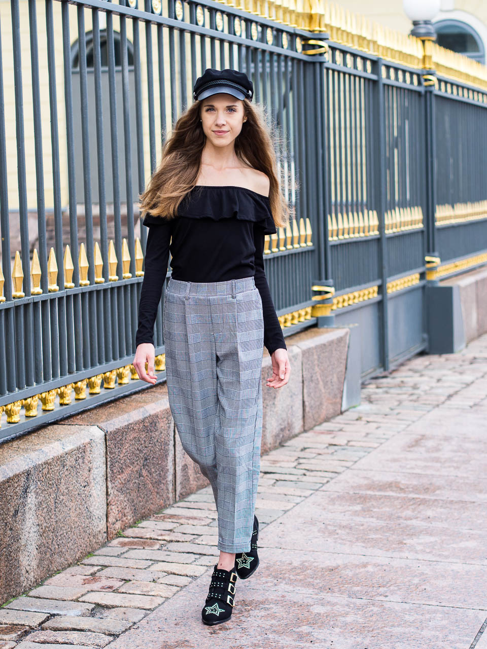 how-to-wear-check-trousers-fashion-blogger-outfit-inspiration