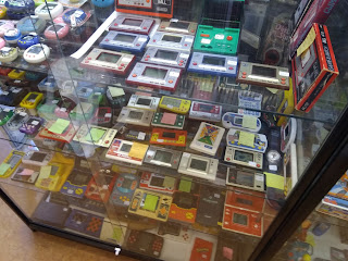 Game Over retro game shop in Amsterdam - Handhelds