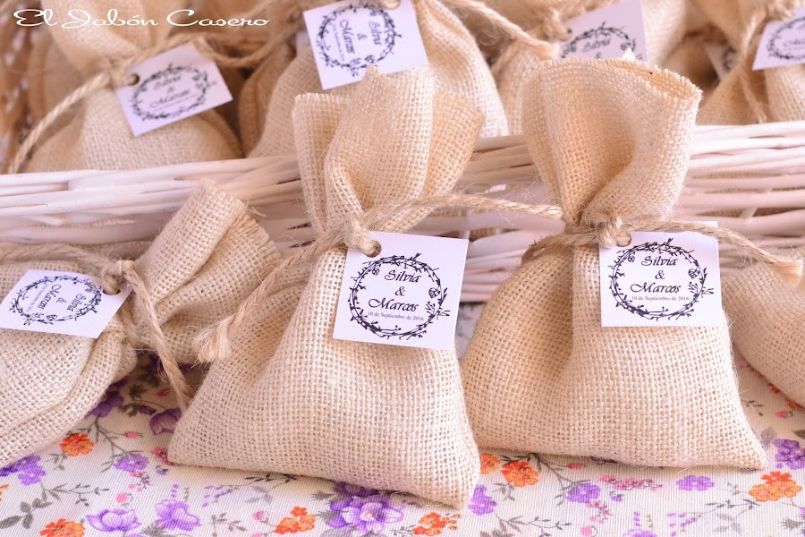 Detalles bodas romanticas vintage saquitos con jabones