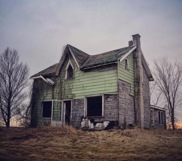 This Woman Thought This Is An Abandoned Home But The Man She Found Inside Changed Her Life Unexpectedly!