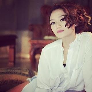 Biodata & Profil Penyanyi Dangdut Siti Badriah (Terlengkap & Terbaru)